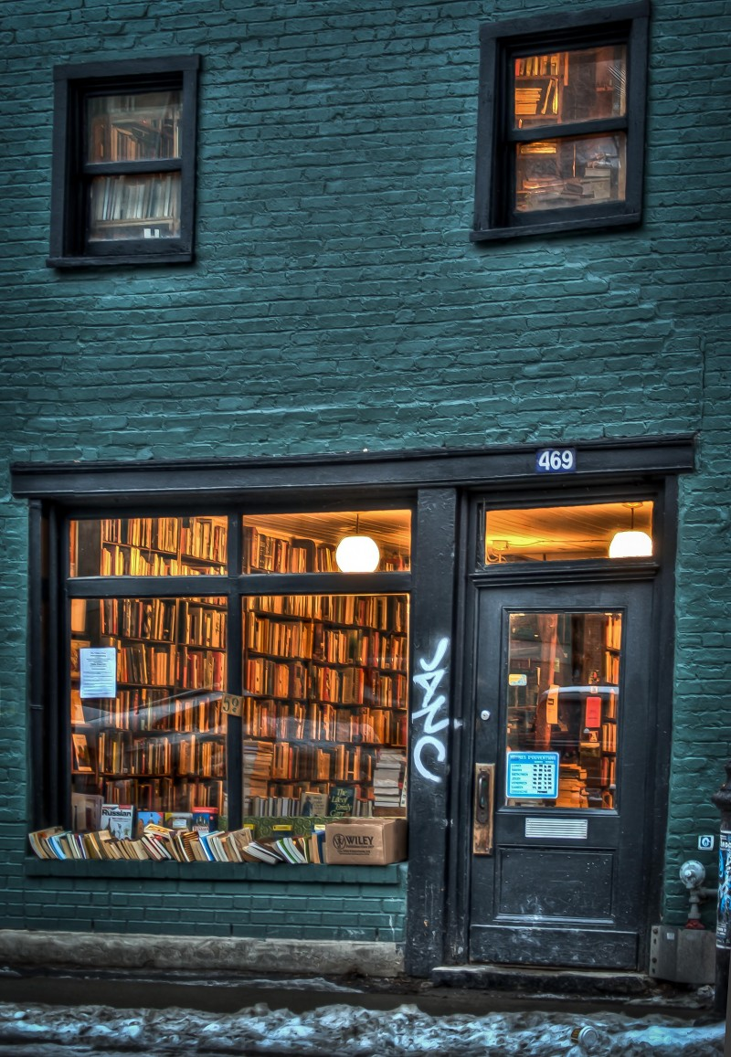 The Word Bookstore, Milton avenue