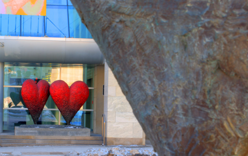 Heart sculpture by Jim Dine