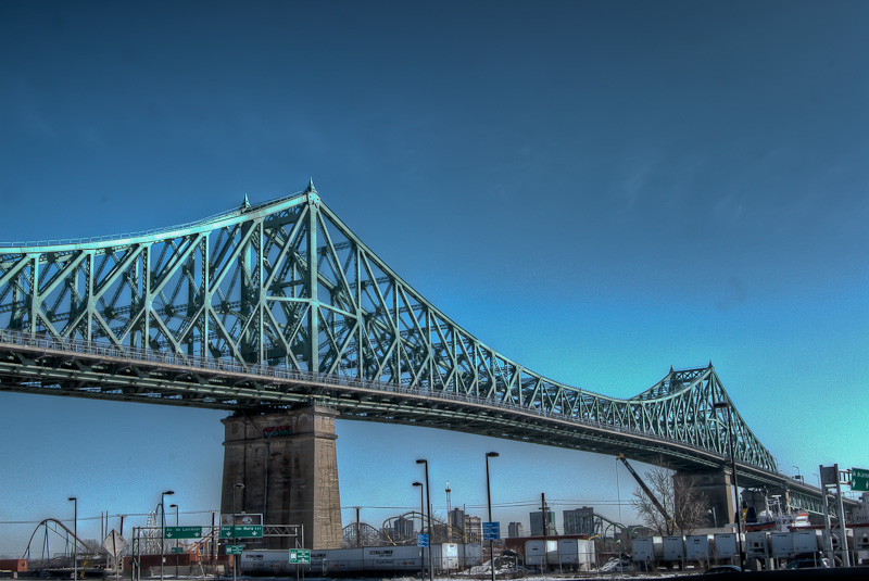 Jacques-Cartier Bridge from ave Viger est