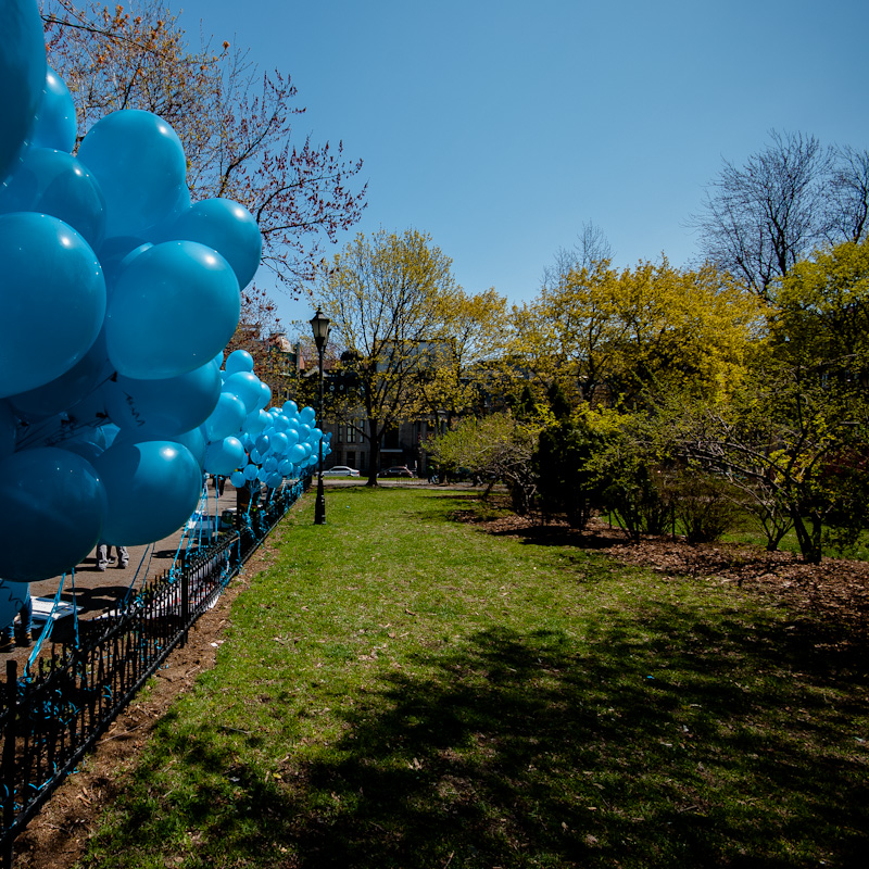 Balloons before Autism march