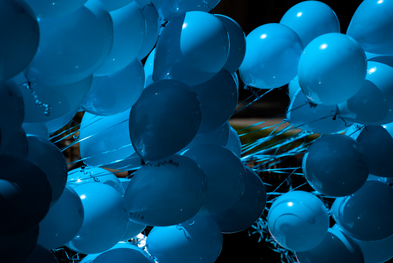 Blue balloons at Carré saint Louis