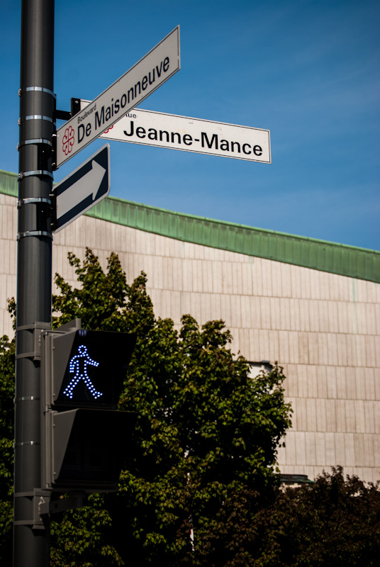 rue Jeanne Mance and blvd de Maisonneuve intersection