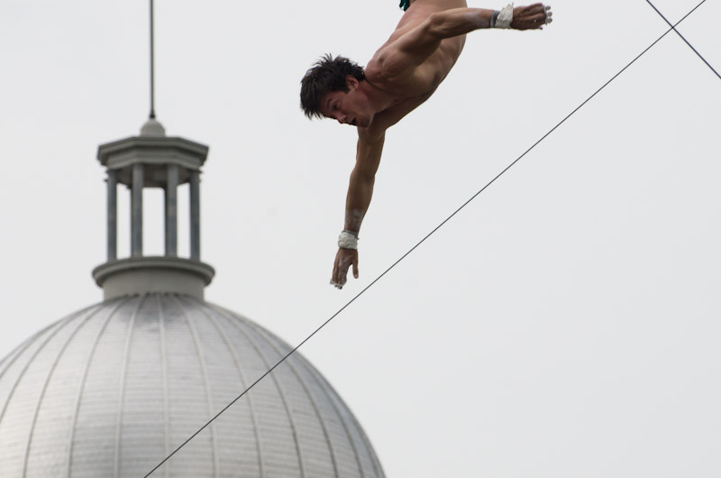 Flying Trapeze artist
