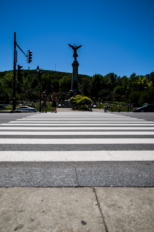 Crossing on avenue du Parc