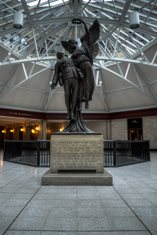 Angel of Victory monument at Windsor Station