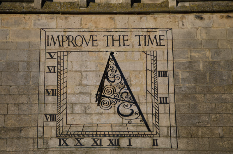 Market Harborough church Sun dial clock