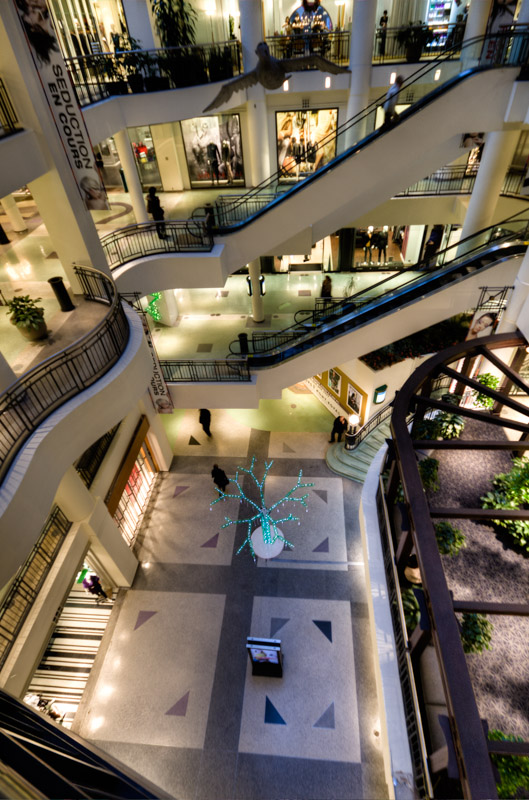 Les Cours Mont-Royal shopping mall