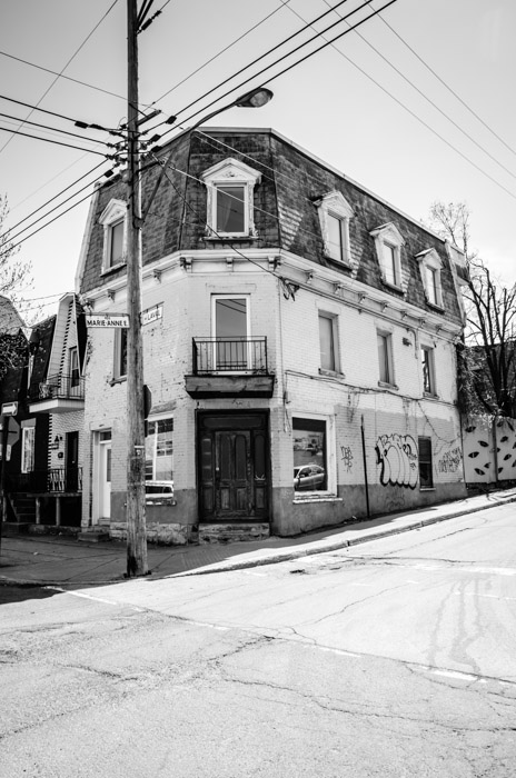 Corner rue Marie Anne and Avenue Laval