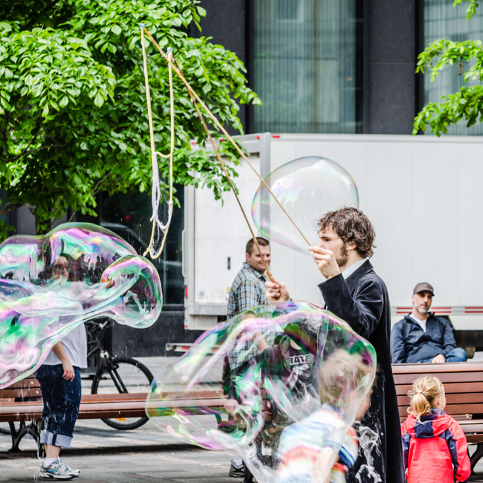 The soap bubble man