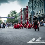 Human towers on rue Saint-Denis