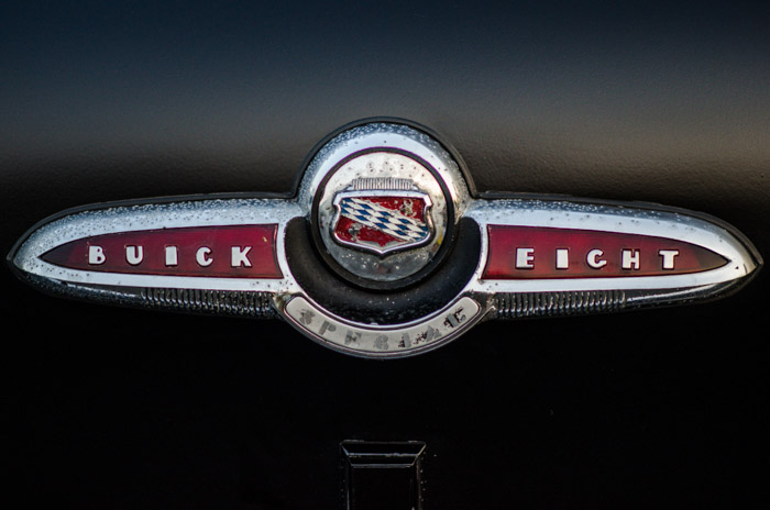 Buick Eight emblem