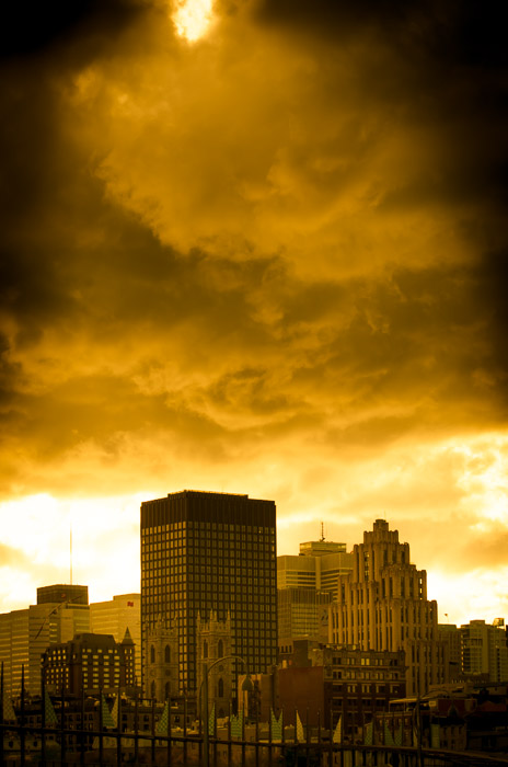 Montreal in yellow