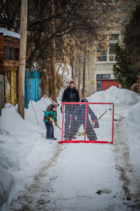 Hockey net practice on Le Plateau