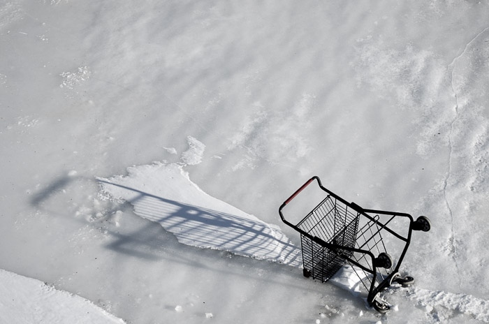 Abandoned shopping Trolley in the Lachine Canal